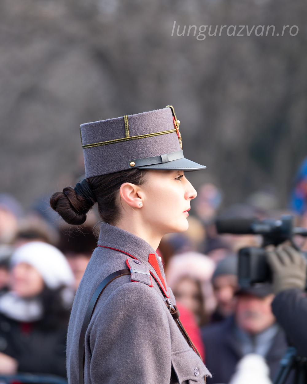 Beauty and Honor, a beaitiful female soldier in uniform